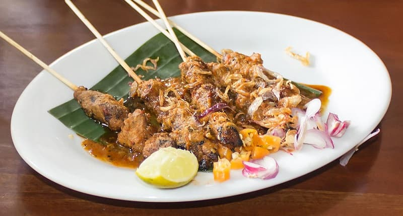 Chicken sate ayam with peanut sauce