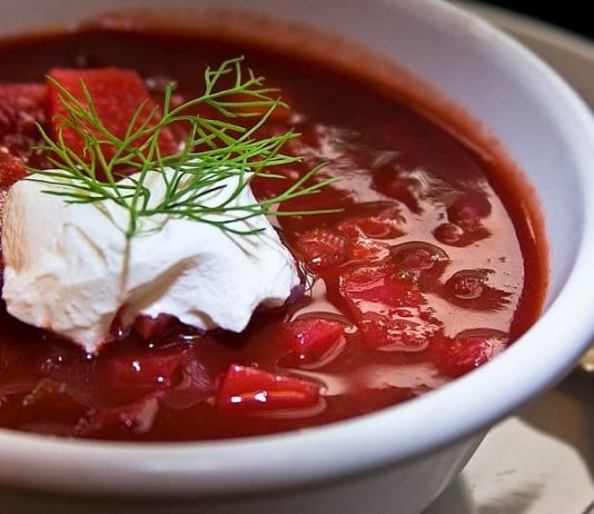 Ukrainian borscht recipe with sour cream