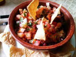 Chifrijo Costa Rican dish