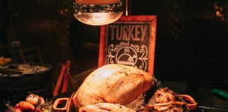 turkey is one of the most common Thanksgiving dishes