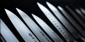 different types of kitchen knives to use for different types of cooking and cutting
