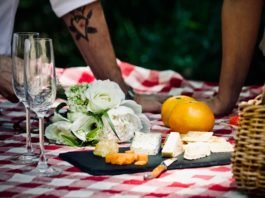 Wine and Cheese Pairings for Picnics perfect pair